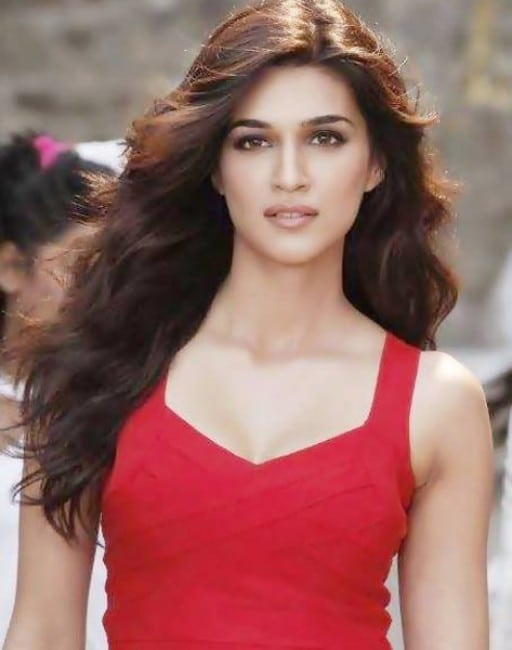 kriti sanon hot images in red top