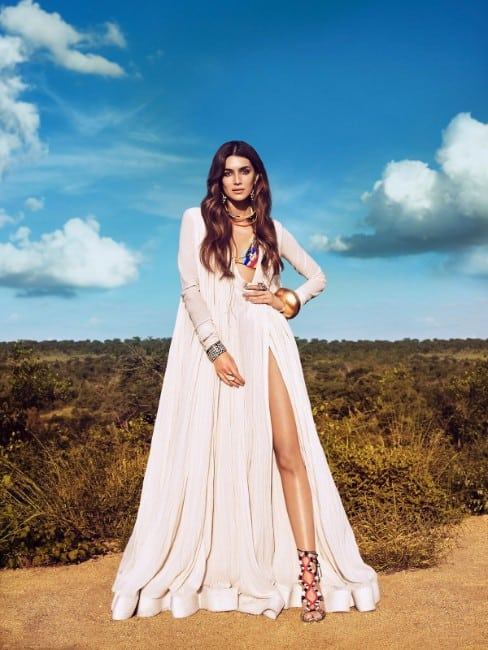 kriti sanon hot photo from her vouge shoot