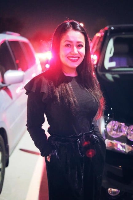 neha kakkar hot in tight clothes