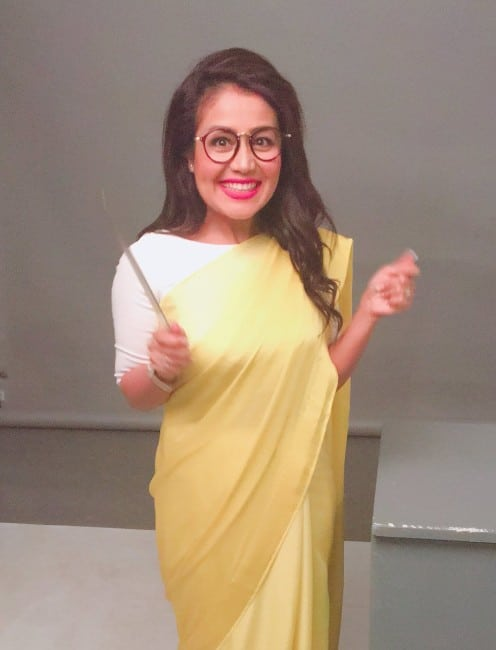 neha kakkar sexy look in saree