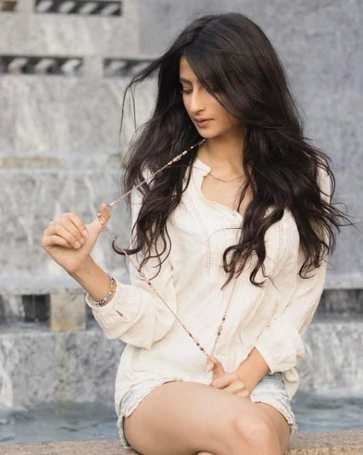 palak tiwari daughter of shweta tiwari sexy latest pic