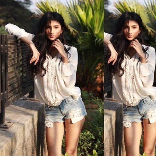 palak tiwari instagram hot photo in shorts