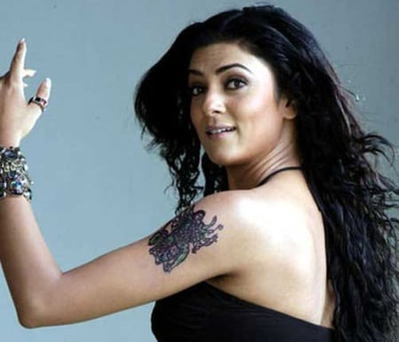 Sushmita Sen hot tattoo