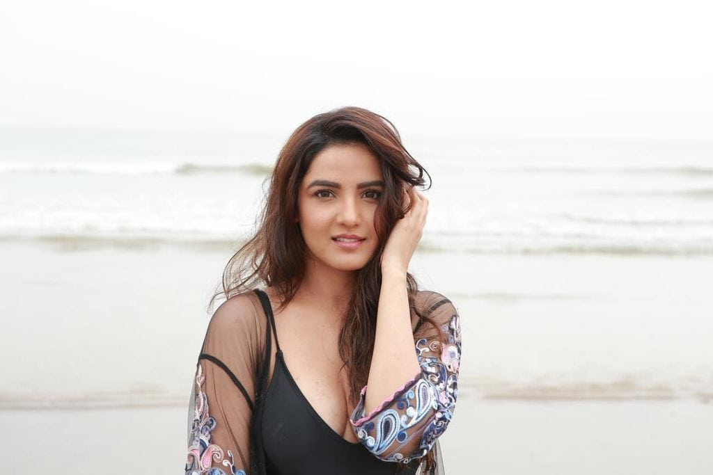 dil se dil tak actress name jasmin bhasin hot