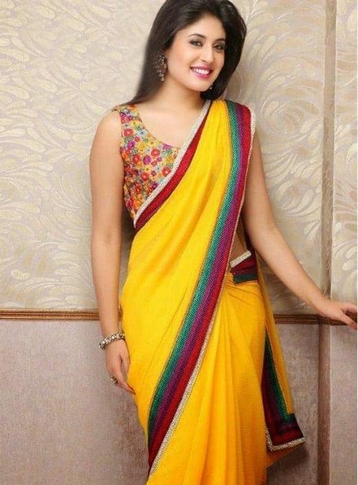 hot pics of kritika kamra in yellow saree