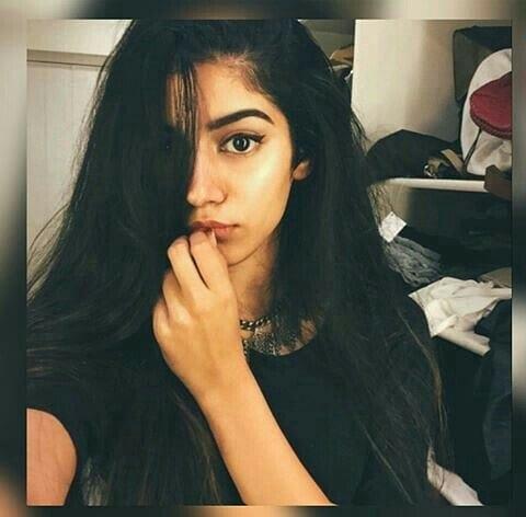 khushi kapoor age 21 hot pic