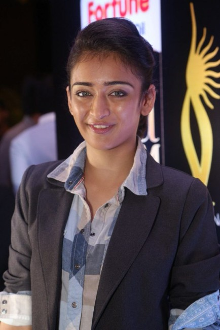 Akshara Haasan New Full HD