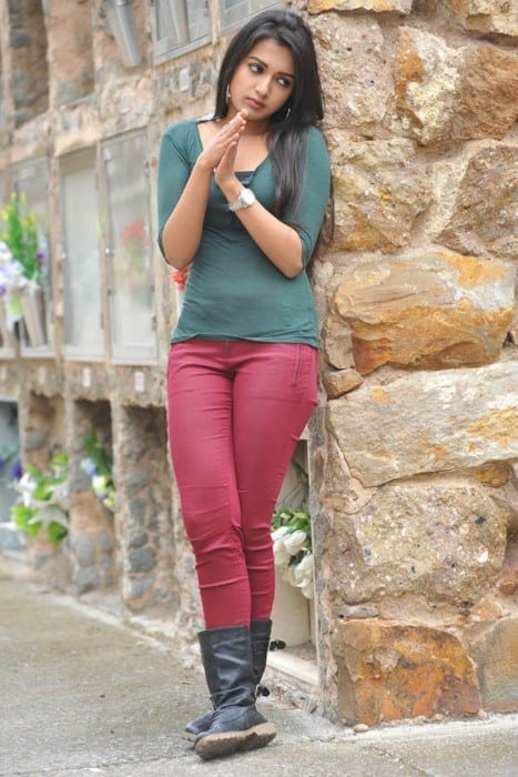 Catherine Tresa hot photo still from tamil movie