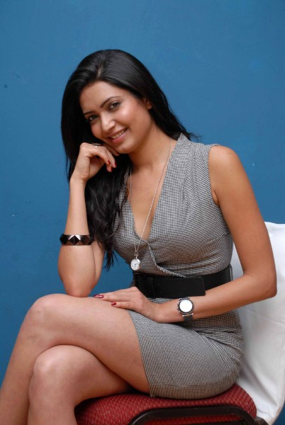 Karishma-Tanna-Hot-Stills-hd