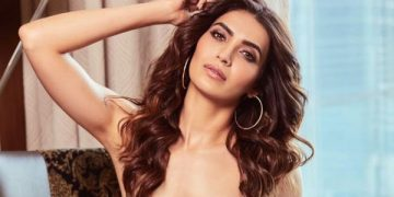 Karishma Tanna hot photoshoot pic