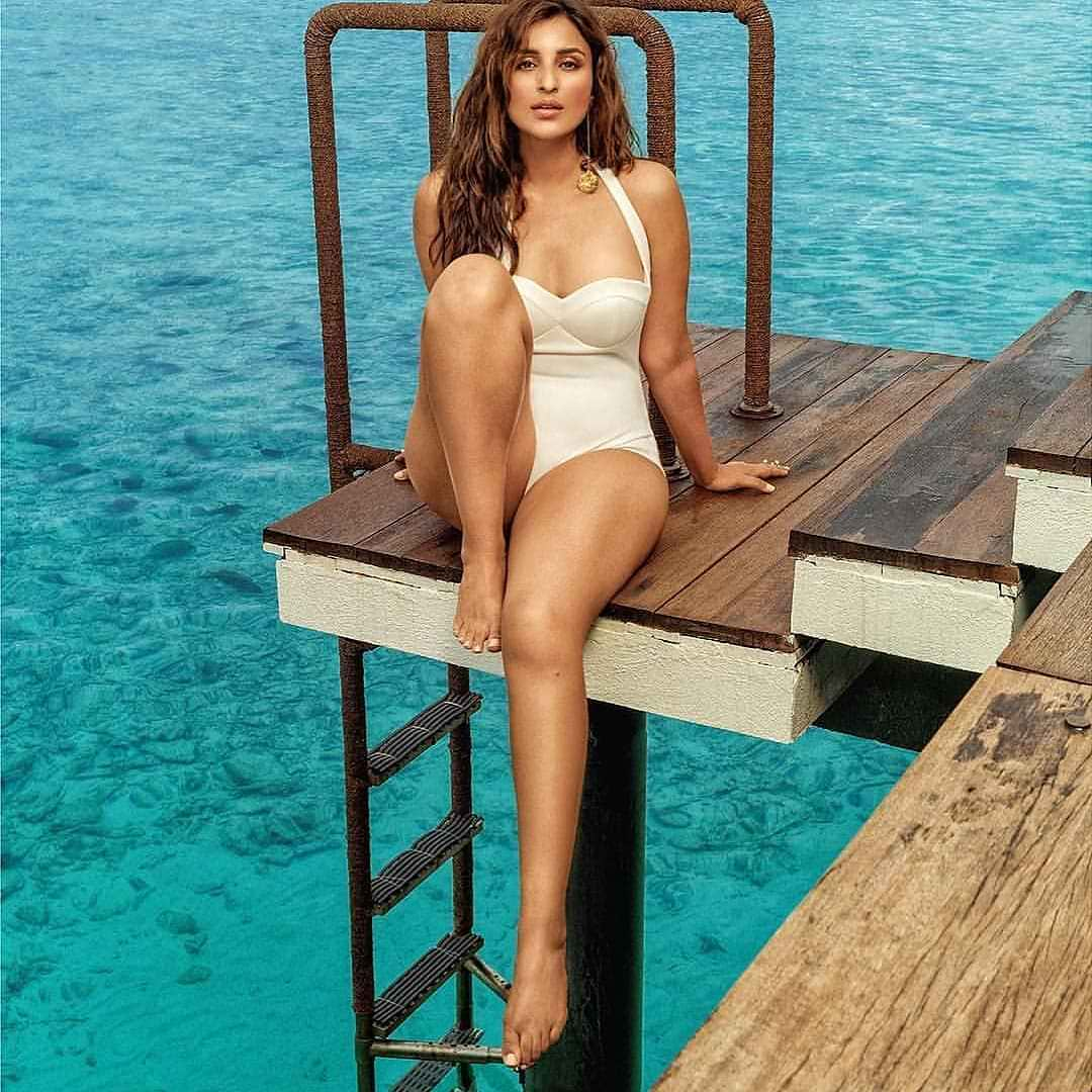Parineeti Chopra sexy bikini swimesuit pics