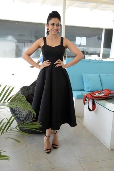 Rakul Preet Singh Hot Black Dress Pics