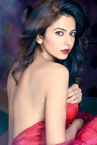 Rakul Preet Singh hot and spicy backless pic