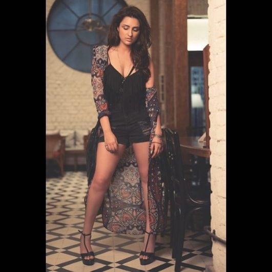 parineeti chopra hot photo in sexy pose