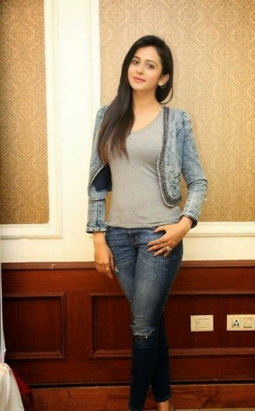 rakul preet singh hot images in blue jenes