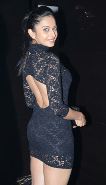 rakul preet singh hot photo in backless black dress