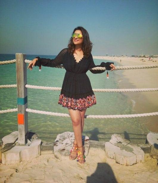 sexy bollywood actress parineeti chopra enjoing