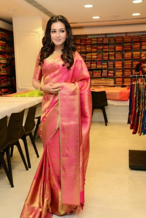 tamil actress Catherine Tresa hot pic in saree