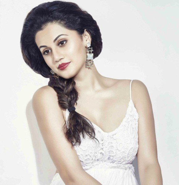 Taapsee Pannu hot sexy picture