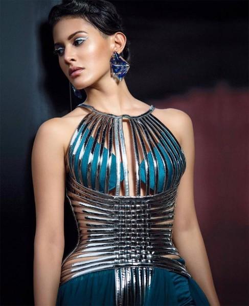 amyra dastur hot femina magazine photos