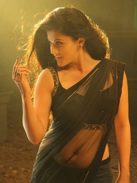 tapsee pannu navel pic
