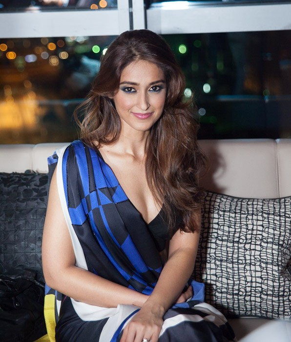 Ileana D'Cruz hot in saree