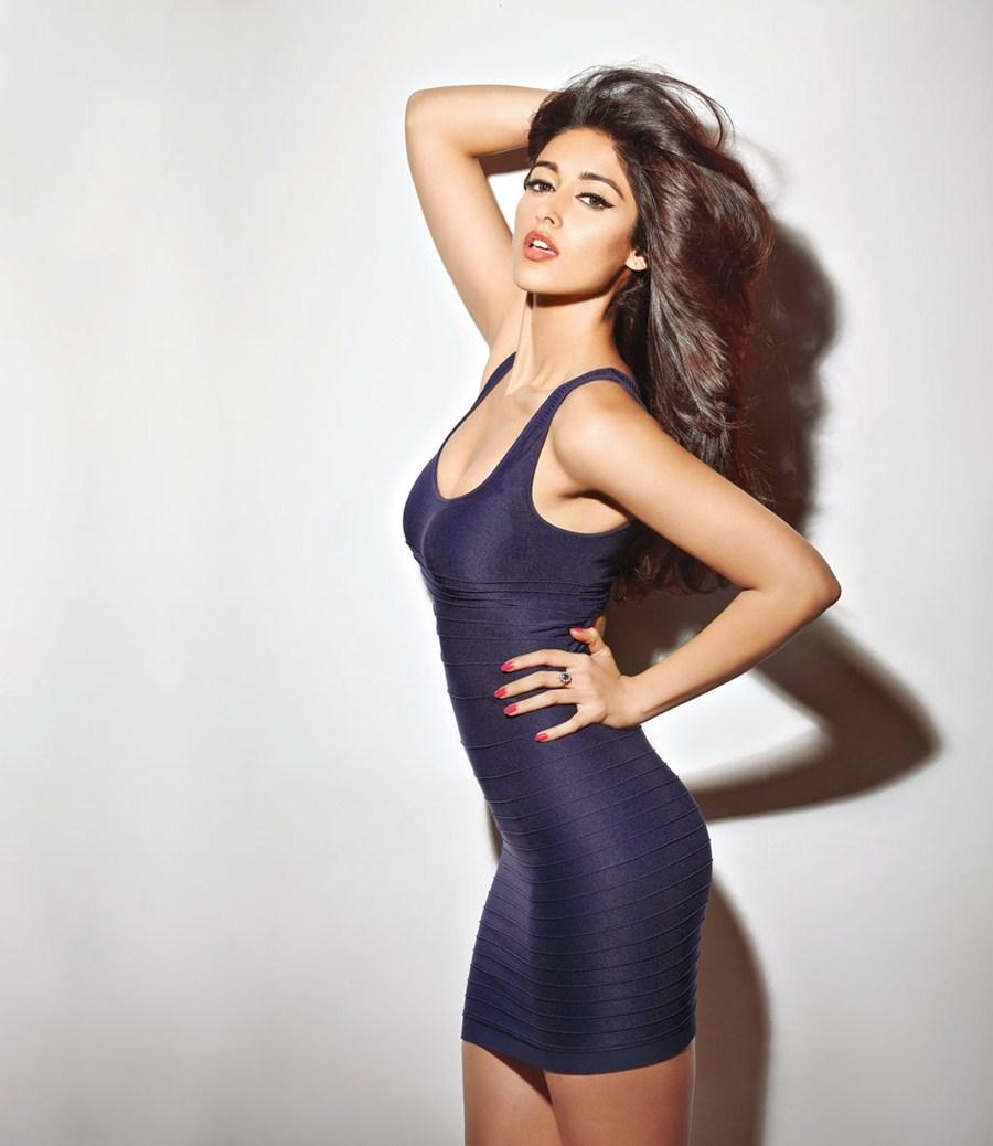 Ileana sexy butt show pic