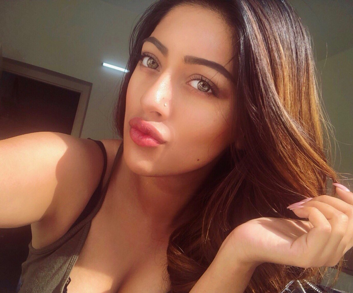 32 Best Anu Emmanuel Hot Photos