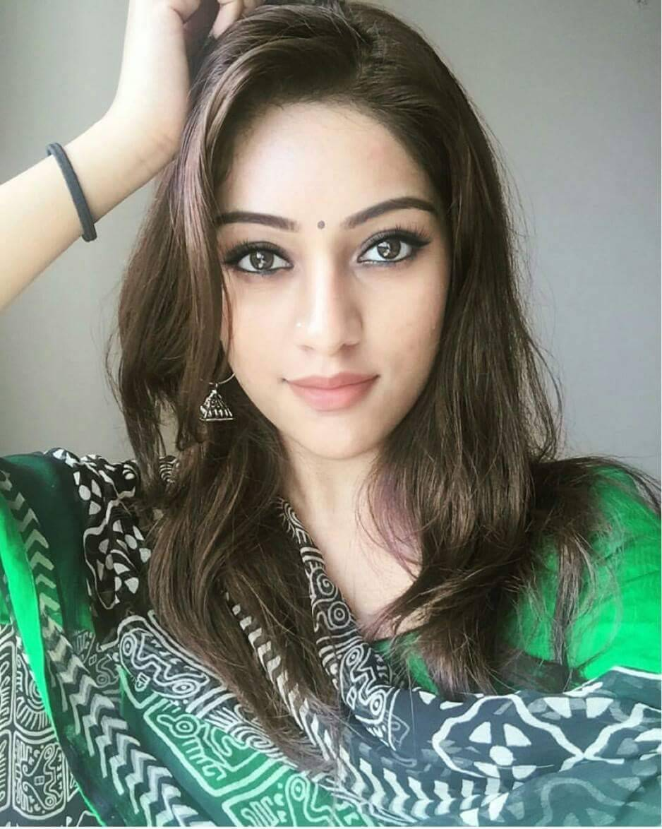 anu emmanuel saree hot look