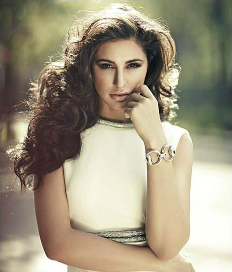 Nargis Fakhri hot pics, Nargis Fakhri sexy images, Nargis Fakhri nude and nake photos