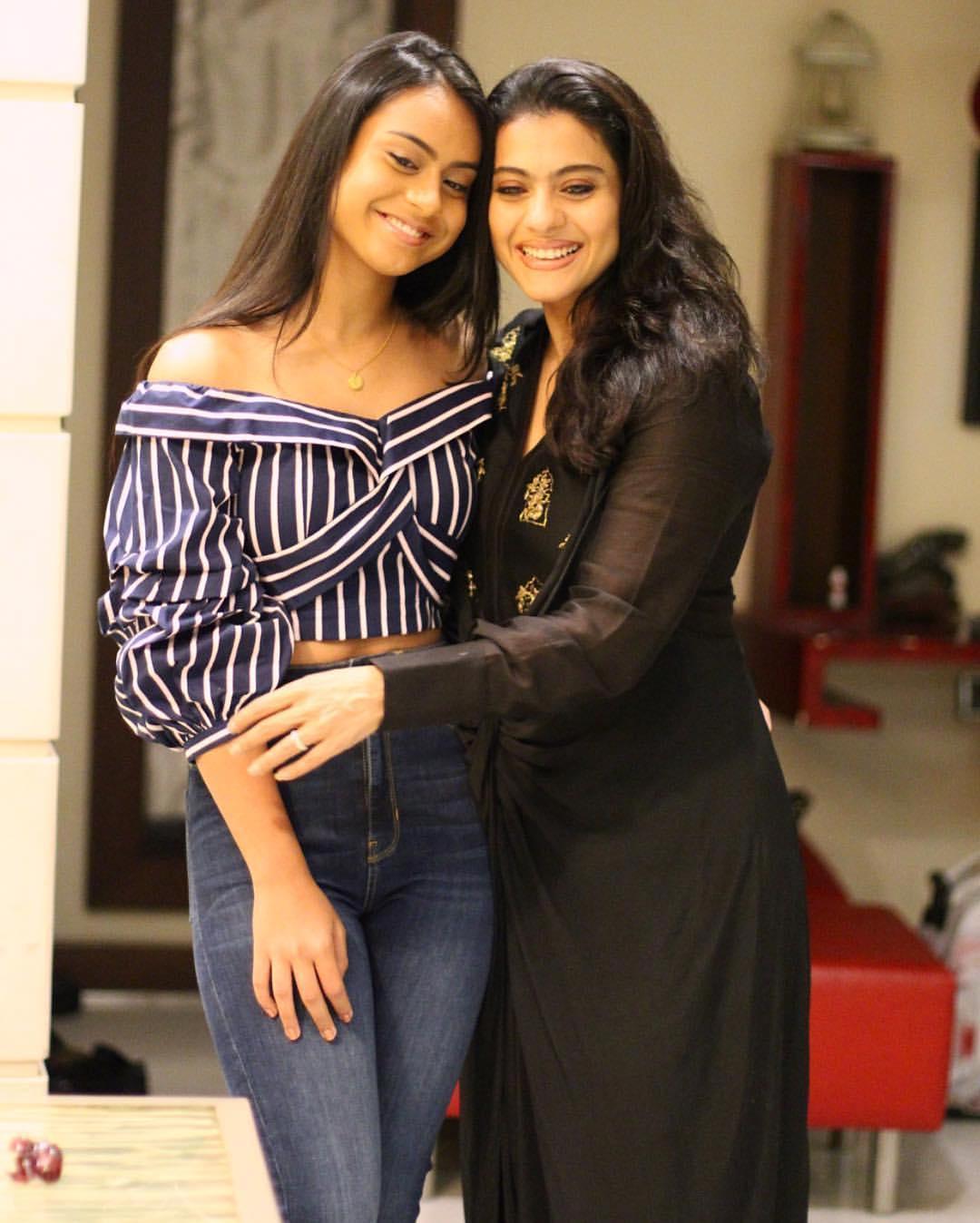 Nysa Devgan hot kajol and ajay devgal daughter pics