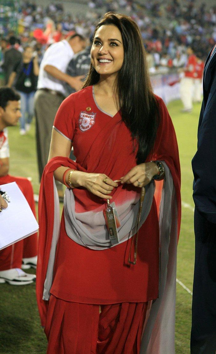 Preity Zinta hot, Preity Zinta nude,Preity Zinta boobs,Preity Zinta bikini