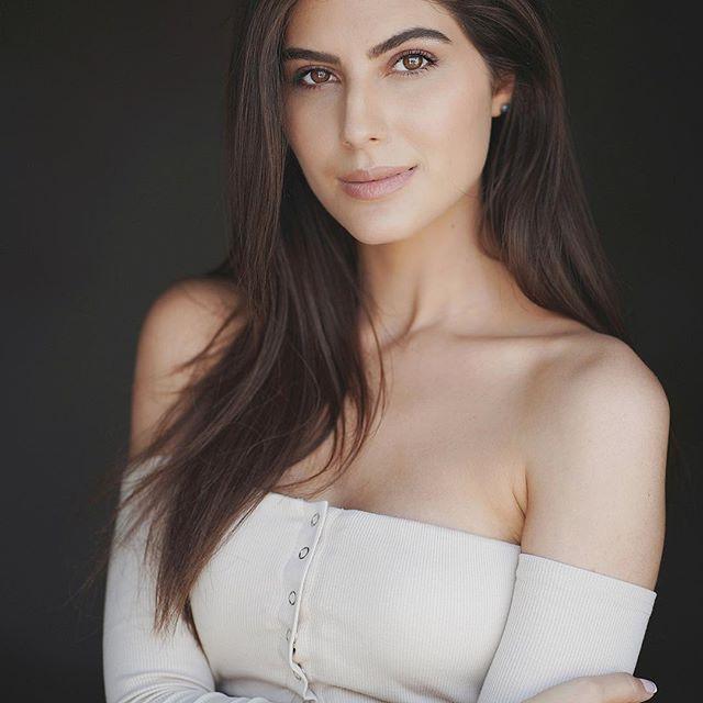 32 Hottest Elnaaz Norouzi Photos Sexy Bikini Pics Sacred Games Actress Bio-4569