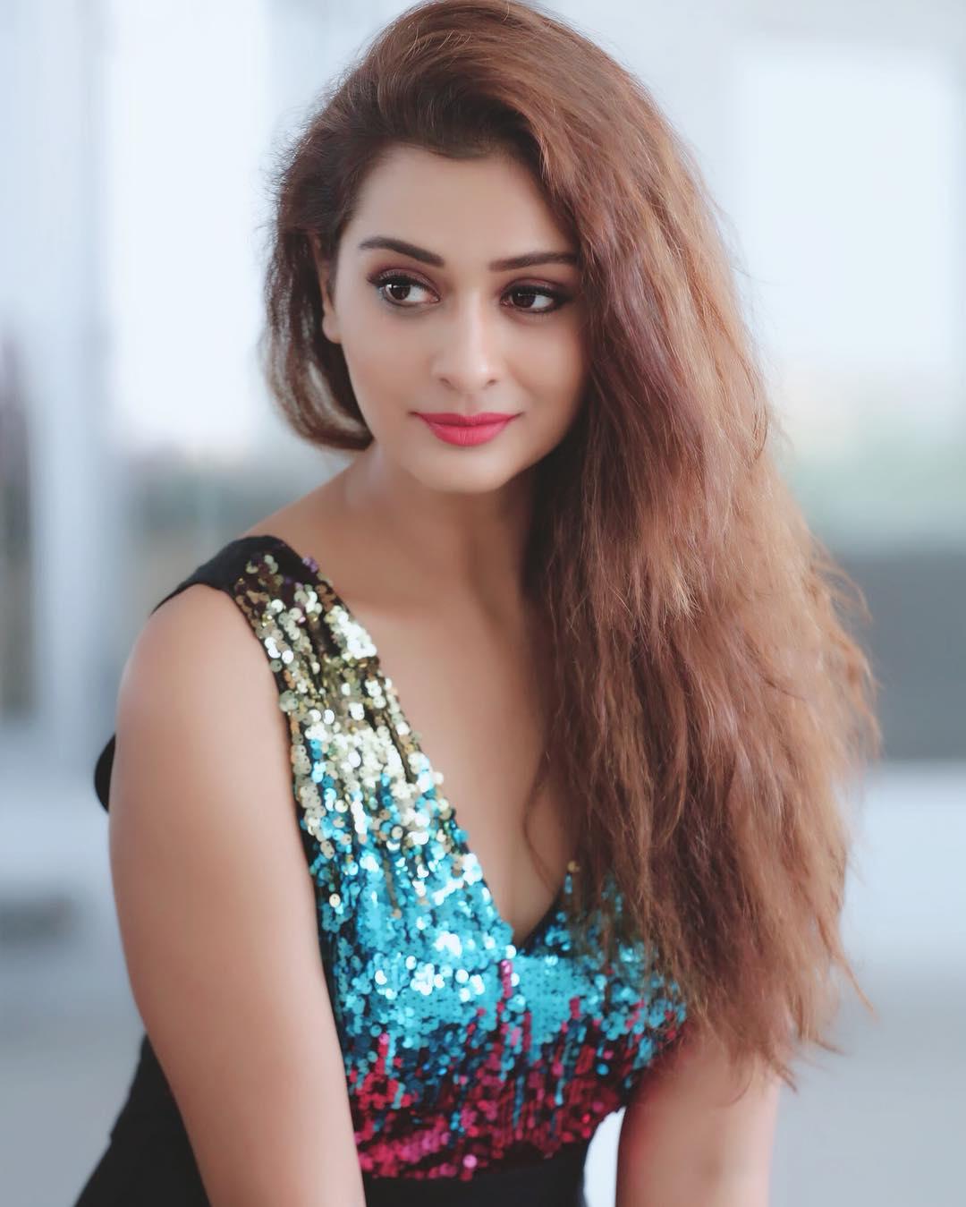 RX100 actress Payal Rajput instagram hot photos sexy bikini pics