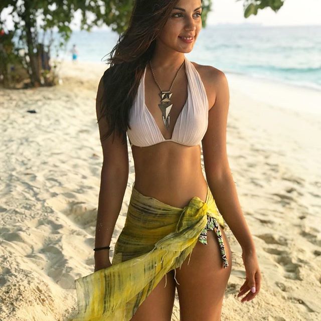 Rhea Chakraborty instagram hot photos sexy boobs bikini pics and images