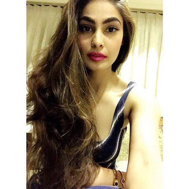 miss India Puja Gupta hot bikini photos from her instagram