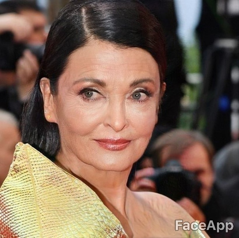 Bollywood Celebrities aishwarya rai face app old photo