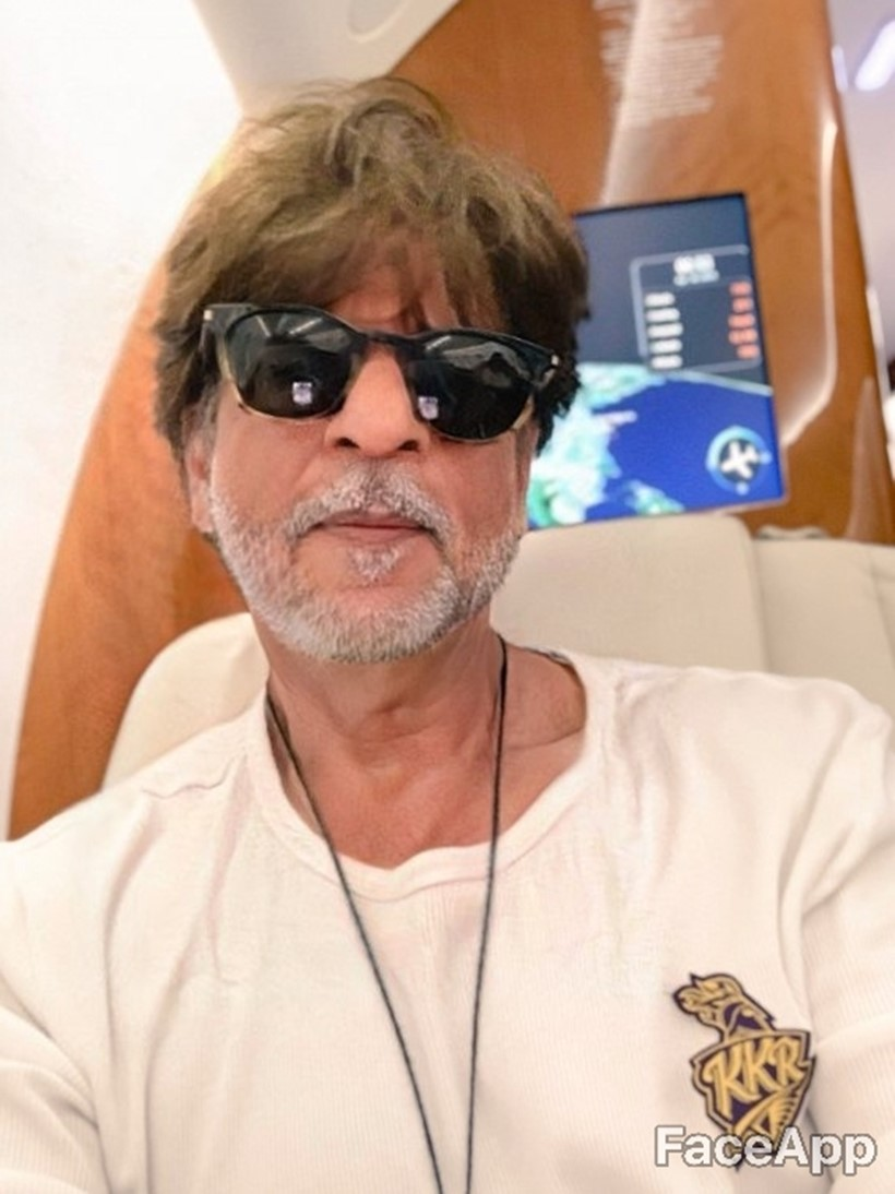 Bollywood Celebrities shah rukh khan faceapp old photos
