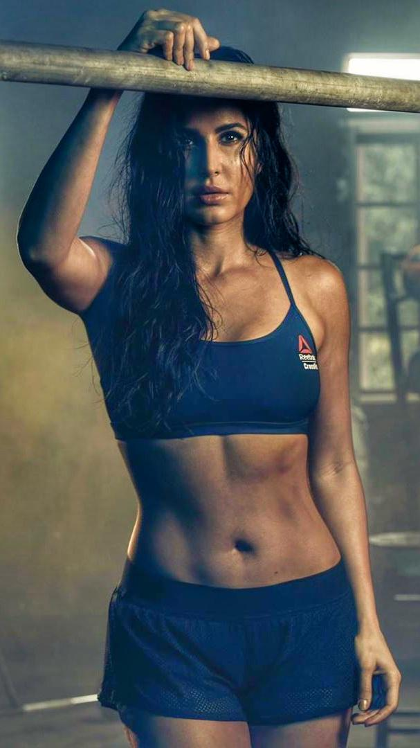 Katrina Kaif Flaunting her hot figure on instgram post for Reebok India