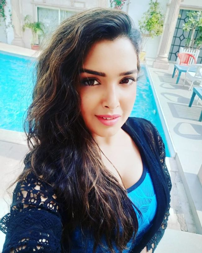 bhojpuri actress Amrapali Dubey hot photos sexy instagram bikini pics