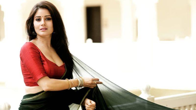 These Hottest Archanna Guptaa Instragram Shots In Saree Will Win You Heart