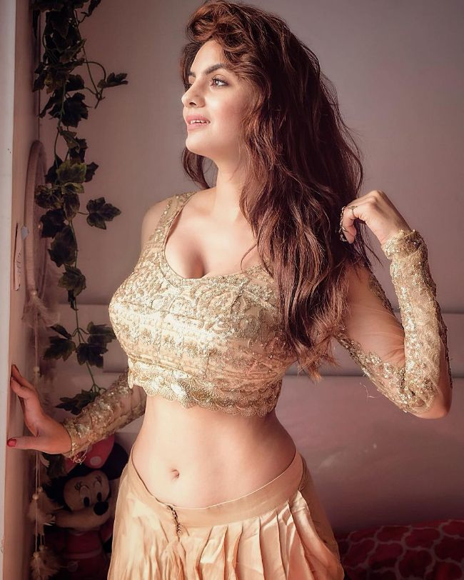Anveshi Jain hot photos sexy instagram bikini pics