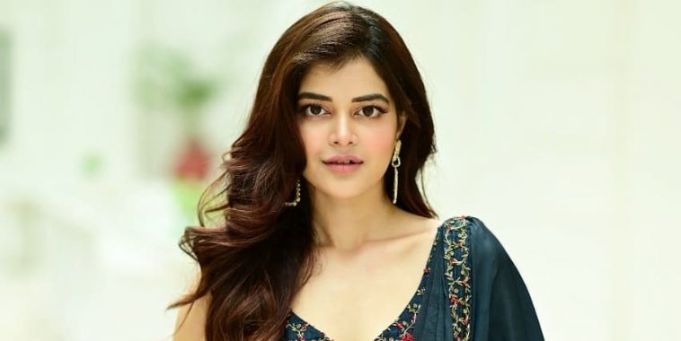 Madhumita Sarkar Instagram Photos Age Height Info & Wiki