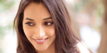 Srinidhi Shetty HD Wallpapers Unseen Hot & Sexy Photos