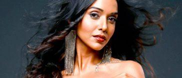 Anupriya Goenka hot ullu actress sexy instagram bikini photos (4)