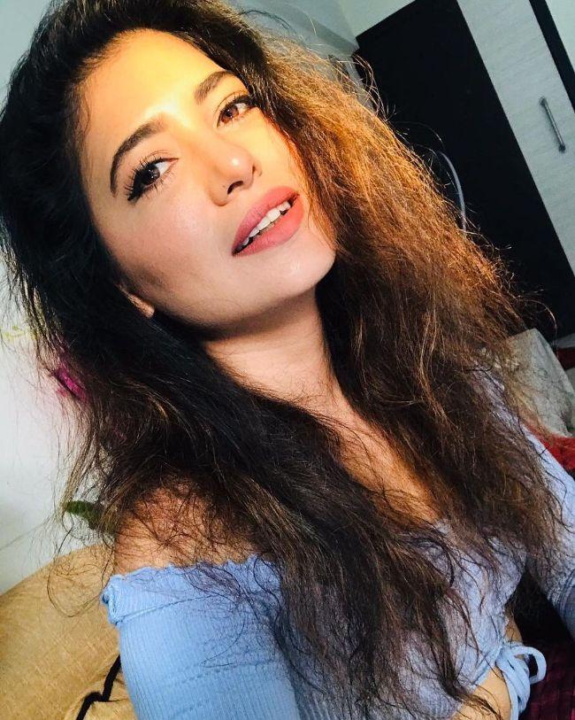 Poonam Rajput hot photos sexy instagram bikini pics