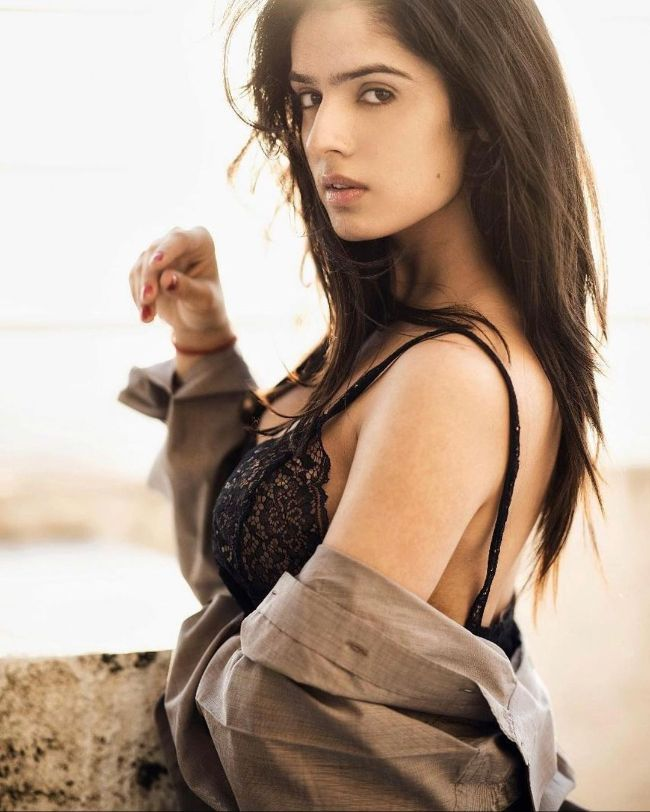 Sidhika Sharma hot photos sexy instagram bikini photos