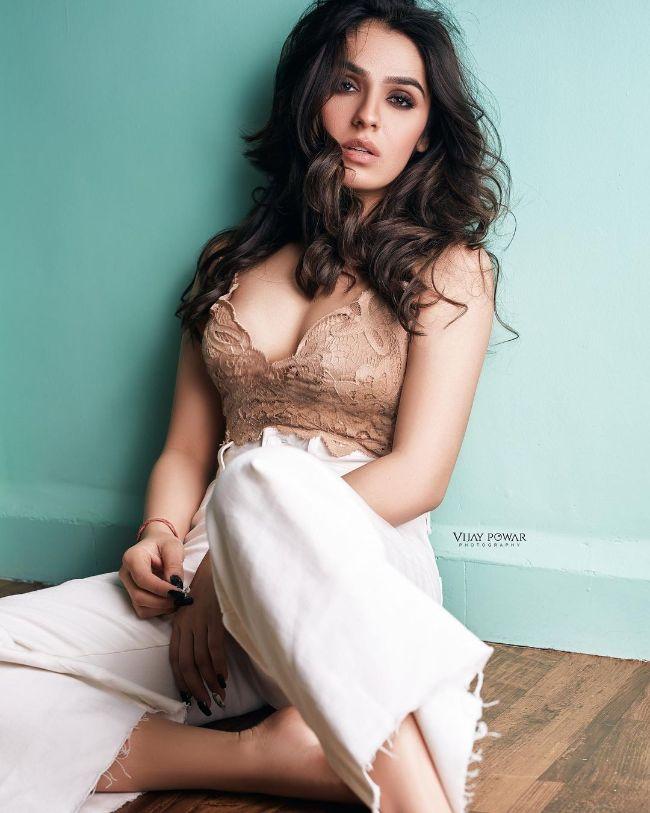 Sidhika Sharma hot photos sexy instagram bikini photos
